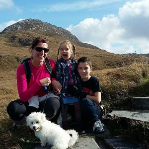 Babysitter required in Slí Gheal, Galway, H91 RFW6, Írsko